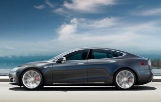 Next goal for Tesla: Over 600 km of autonomy with Model S and Model X