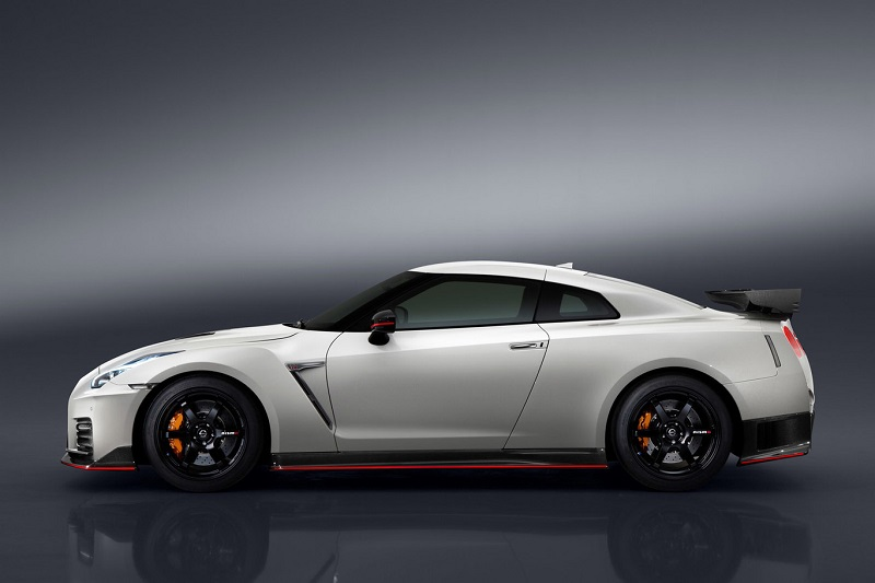 The Nissan GT-R NISMO no longer costs the same