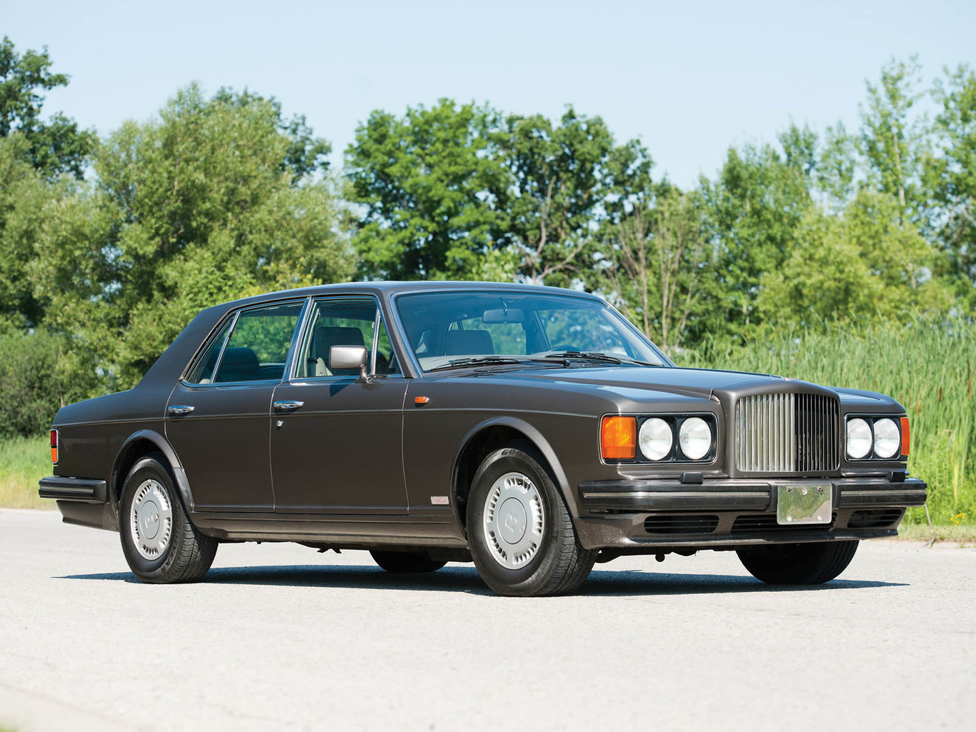 Eight classic cars for future