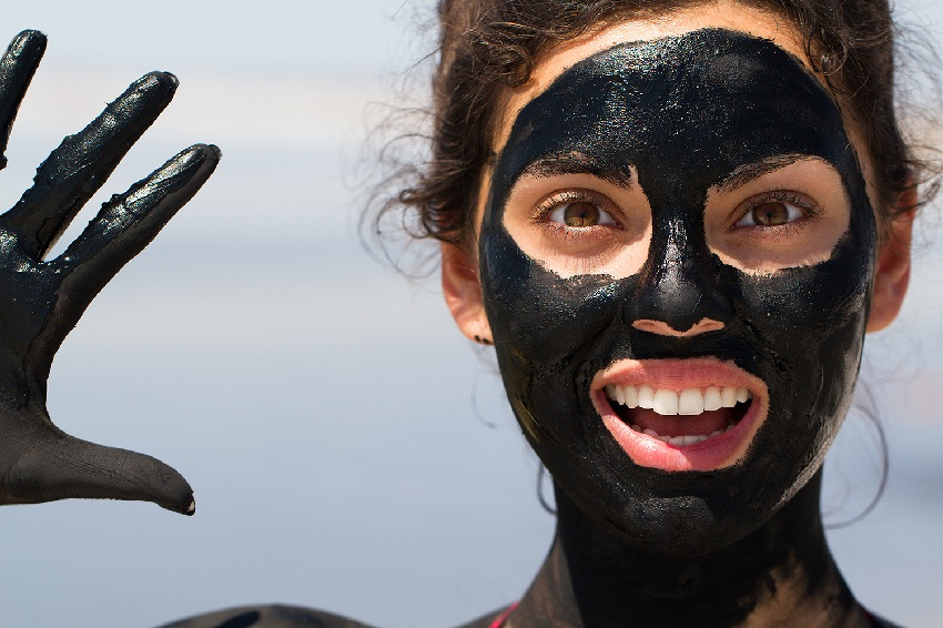 How to use a black face mask