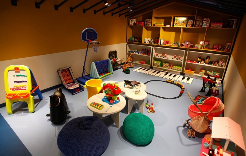 How To Teach The Child To Play Independently In Toys?