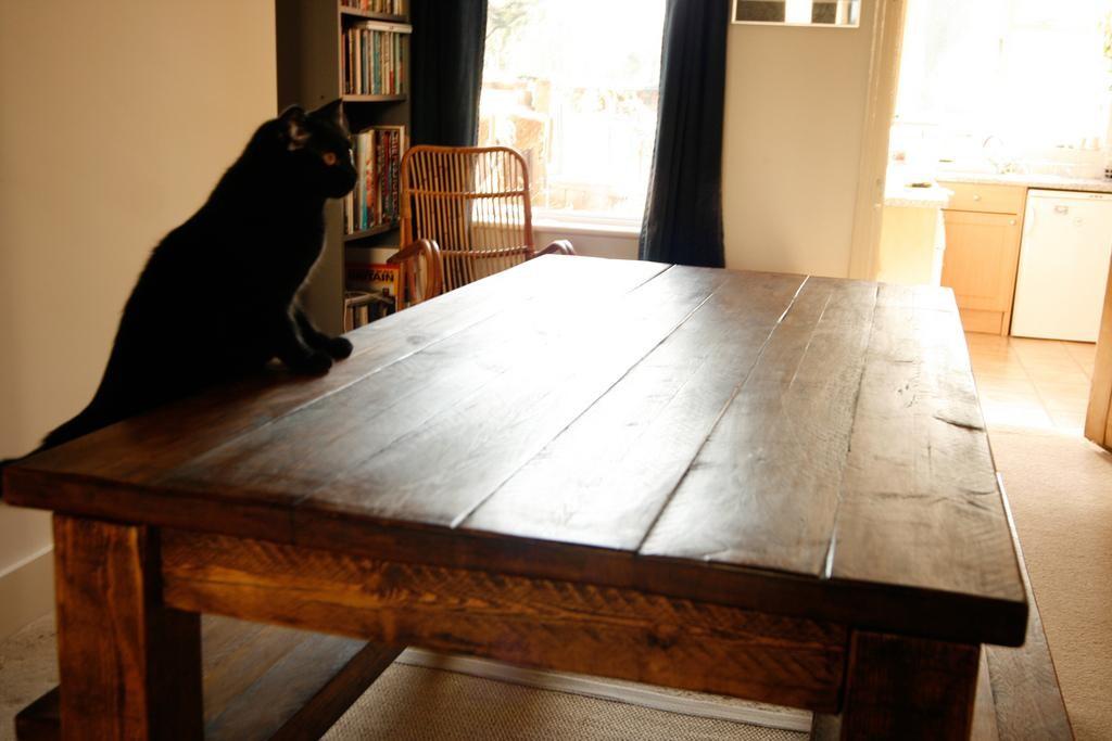 Why buy a bespoke desk?